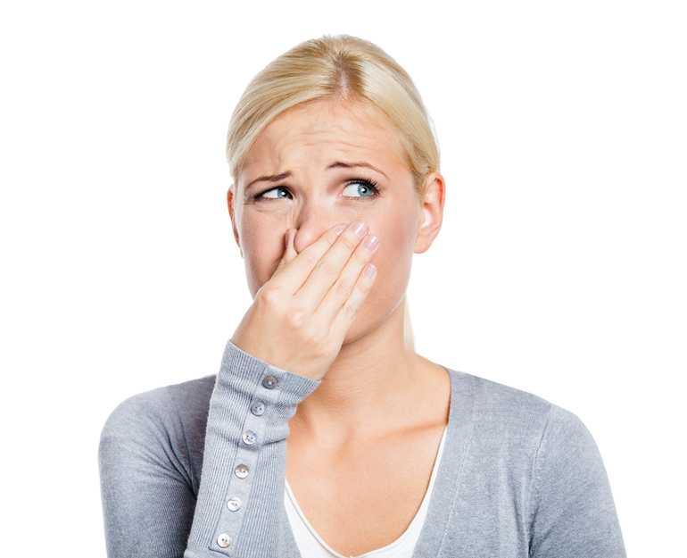 Чесночный запах выделений у женщин