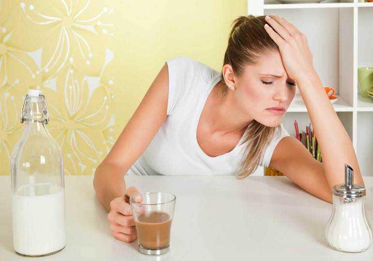 Причины головной боли при месячных