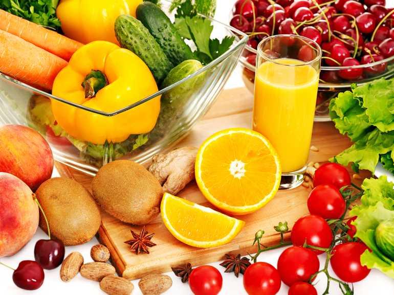 регулярно насыщать организм витаминами