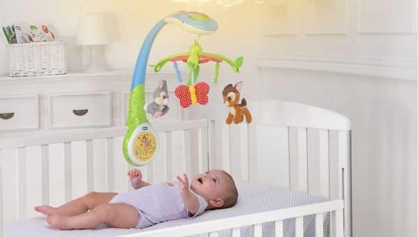 карусель над детской кроваткой