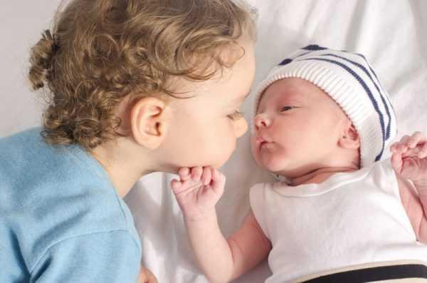 Первая встреча старшего и младшего ребёнка