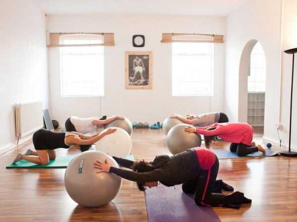 Гимнастика для беременных в группе