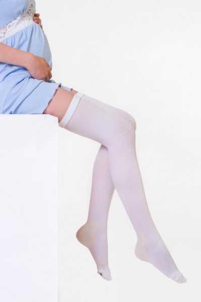 Компрессионные чулки на беременной