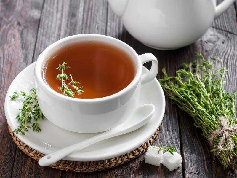 При отсутствии противопоказаний во время беременности можно изредка принимать чай с чабрецом