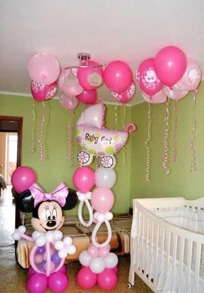Украшение комнаты розовыми шарами