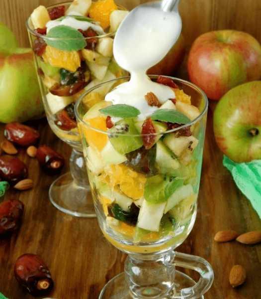 Залат из фруктов и фиников